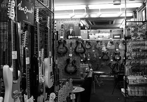 楽器屋さんの写真