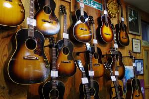 Gibson LG-2